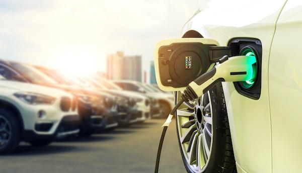自動車業界
